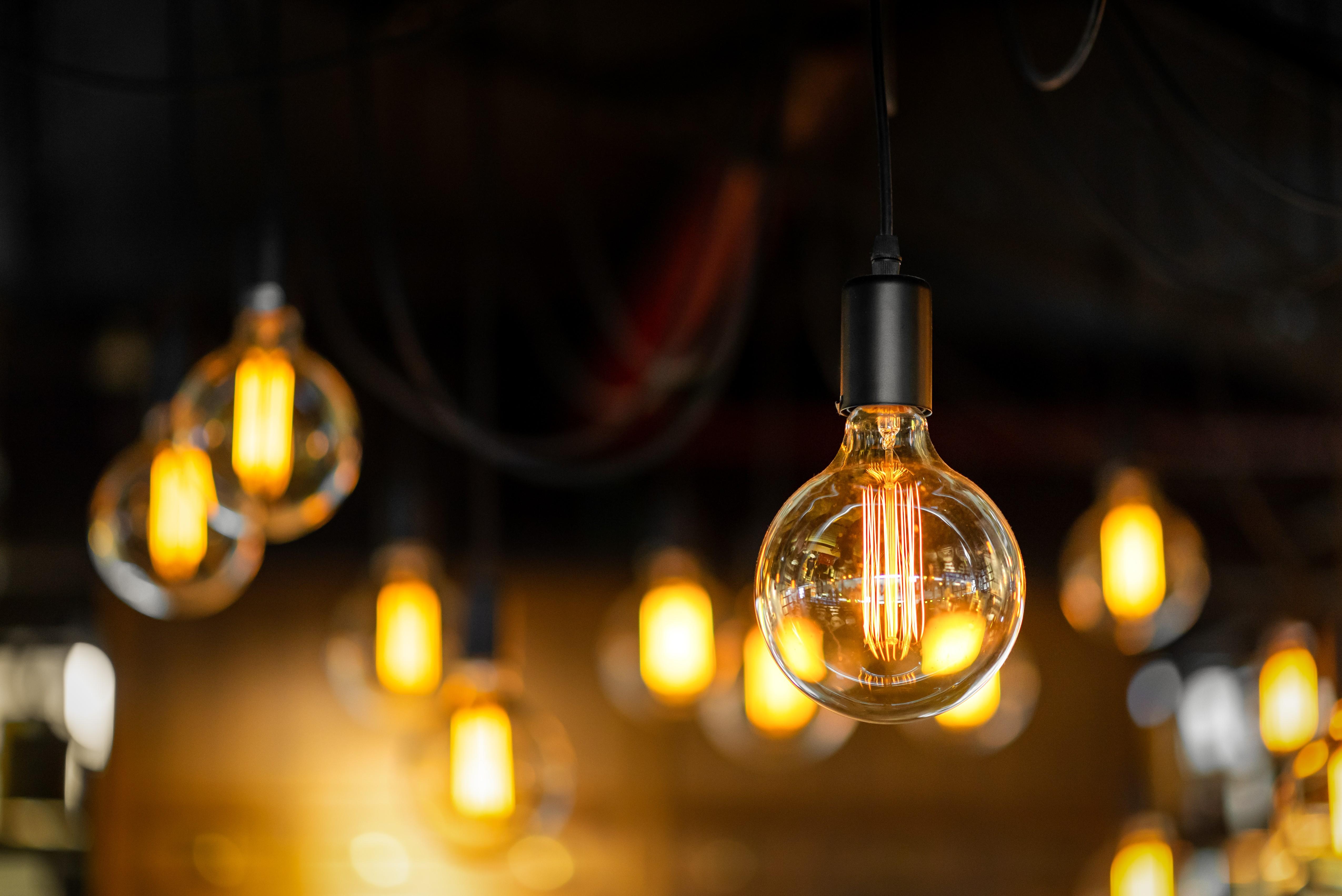 Saiba como economizar com energia elétrica na sua empresa