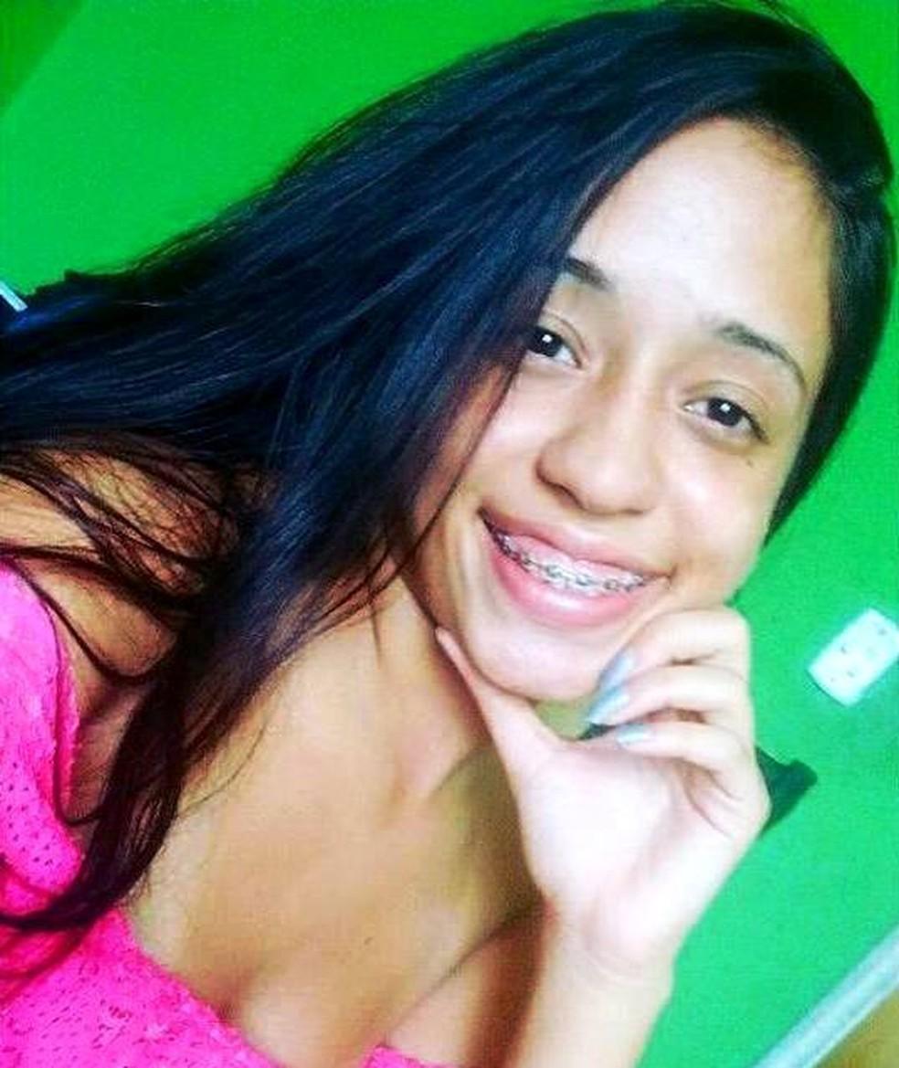 Thaís Cristina Santos Costiuc, 18, foi atingida na cabeça por um tiro — Foto: Arquivo Pessoal