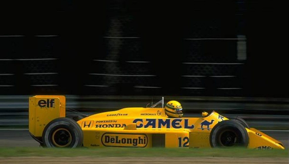 Senna acelera Lotus-Honda no GP da Itália de 1987 — Foto: Getty Images