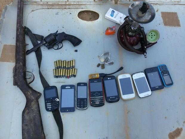Parte do material apreendido pela polícia durante a operação (Foto: Polícia Civil/Divulgação)