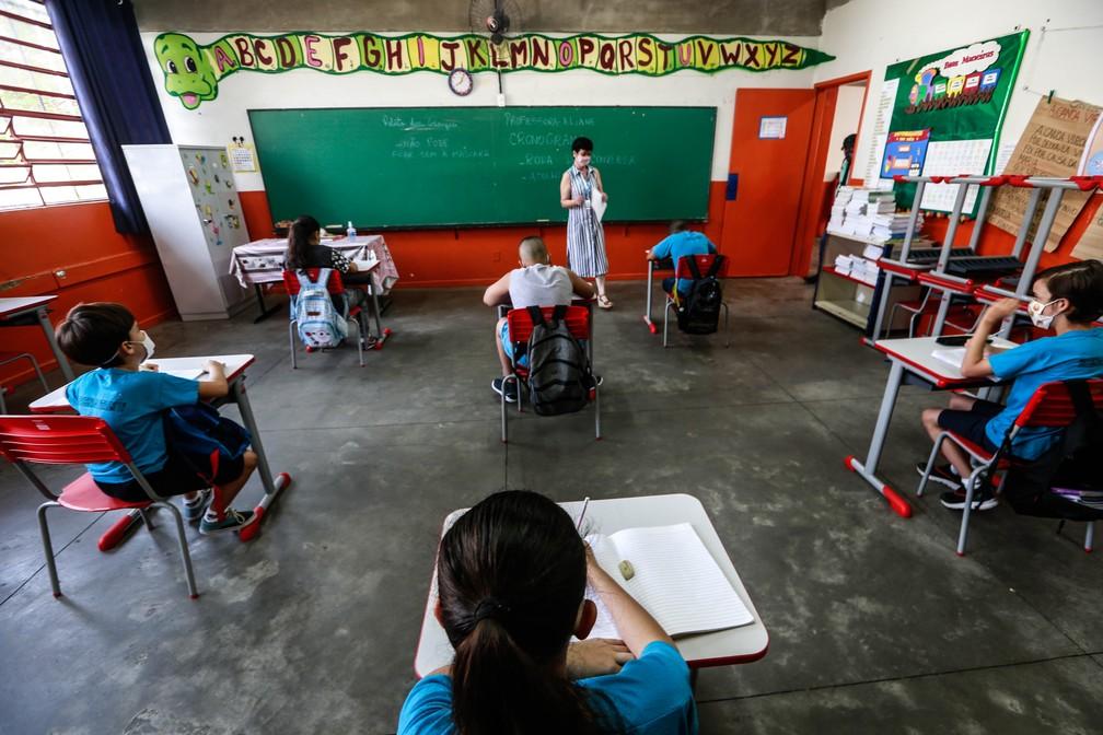 Crianças em aula presencial durante a pandemia do coronavírus no estado de São Paulo — Foto: Werther Santana/Estadão Conteúdo