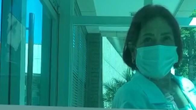 VÍDEO: Câmera flagra falsa enfermeira levando imunizantes contra a Covid