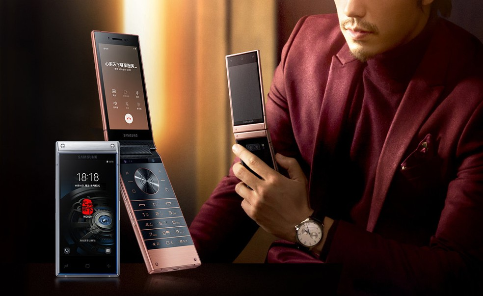 Com duas telas, Samsung W2019 pesa 257 gramas e tem 17,3 milímetros de espessura — Foto: Divulgação/Samsung