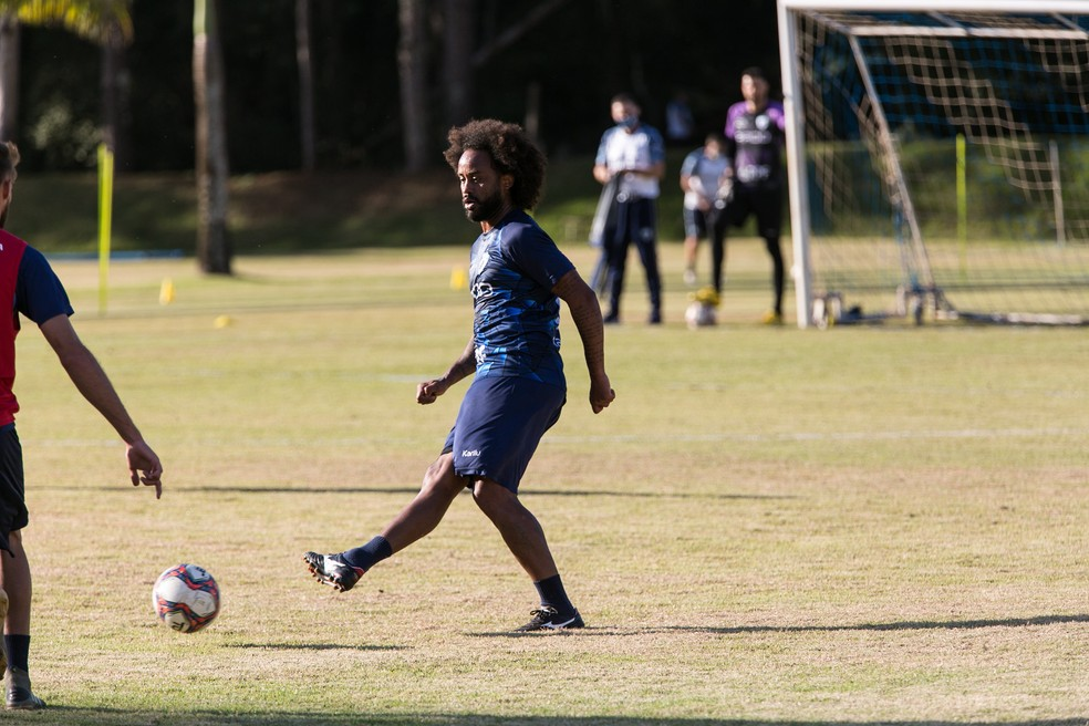 Celsinho foi alvo de falas racistas em jogo do Londrina — Foto: Ricardo Chicarelli/Londrina EC