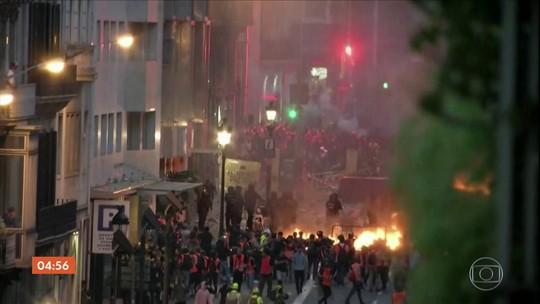 Protestos contra e a favor da independência da Catalunha reúnem multidão em Barcelona