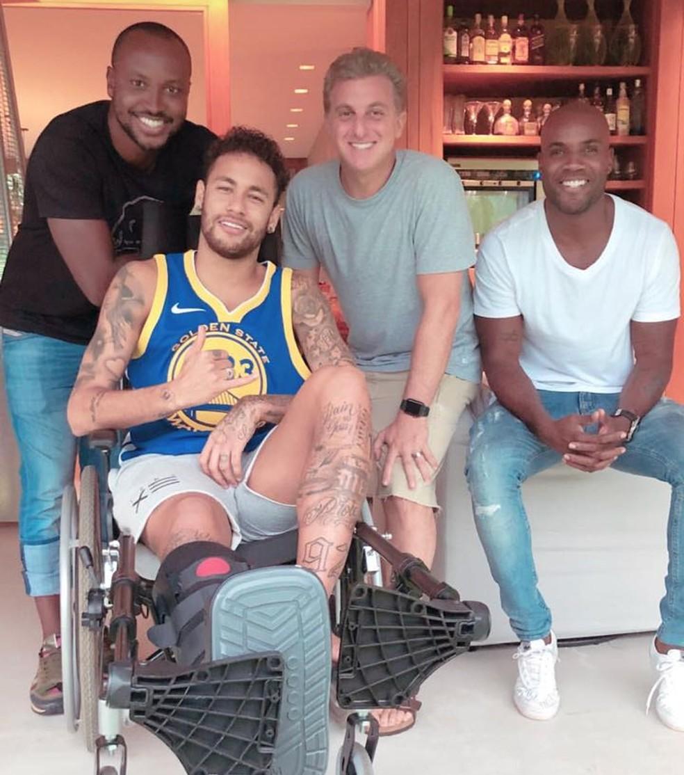 Neymar vem recebendo visita de amigos em sua mansão em Mangaratiba (Foto: Reprodução Instagram)