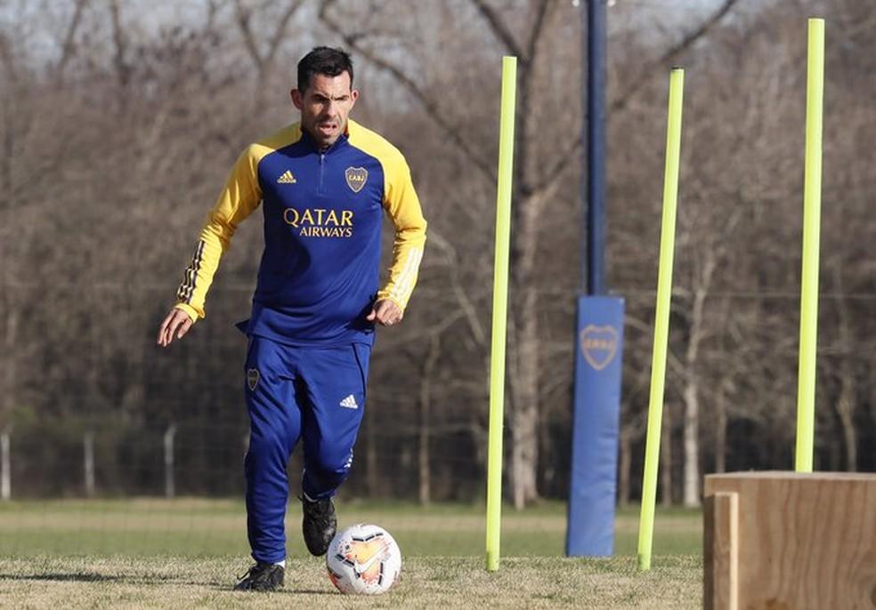 Tevez em treino nesta segunda: Boca Juniors também retomou atividades — Foto: Reprodução/Twitter