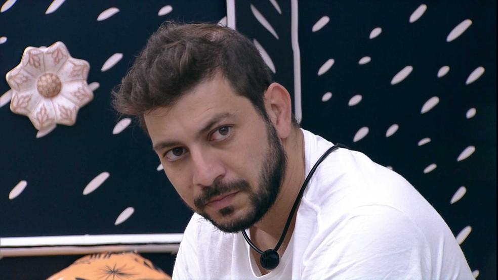 BBB21: Caio acha que Juliette sai na noite desta terça, 30/3: 'Tem gente que o público está só esperando cair no Paredão para tirar' — Foto: Globo