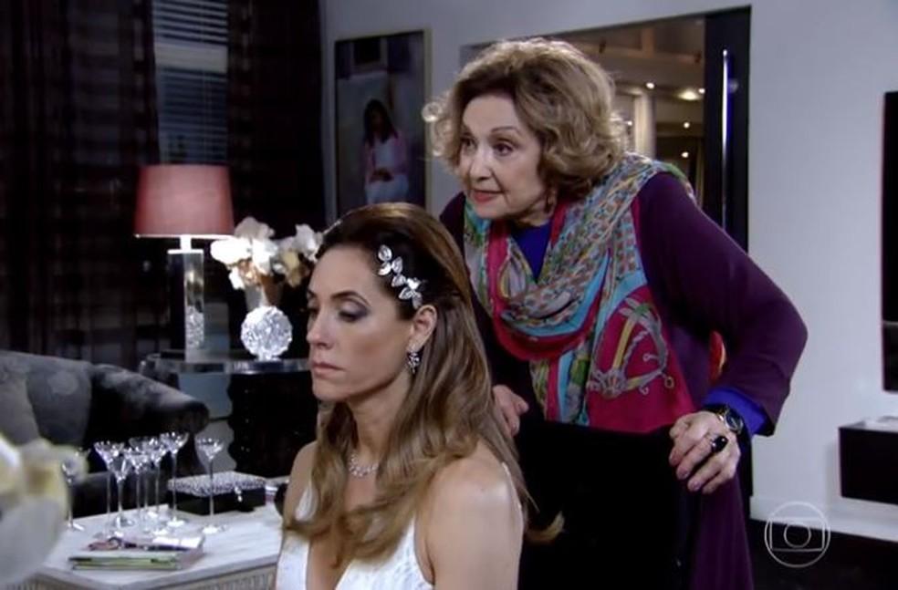 Tereza Cristina é filha de Íris em 'Fina Estampa' — Foto: Globo