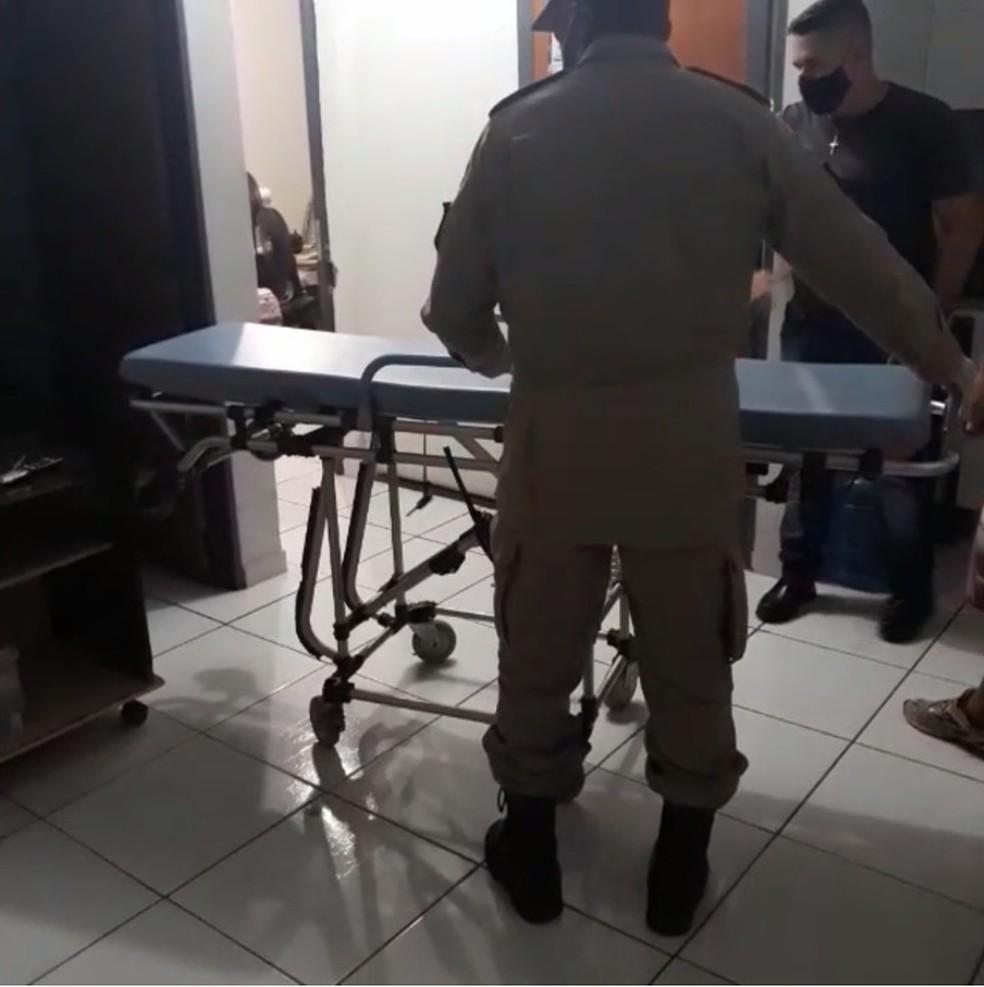 Paraplégica é resgatada de casa onde vivia em condições subumanas  — Foto: Reprodução/TVCA