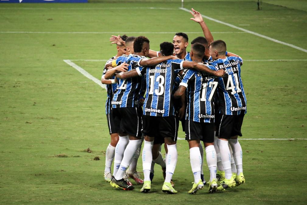 Garotos do Grêmio venceram todas as partidas até o momento — Foto: Lucas Bubols/ge