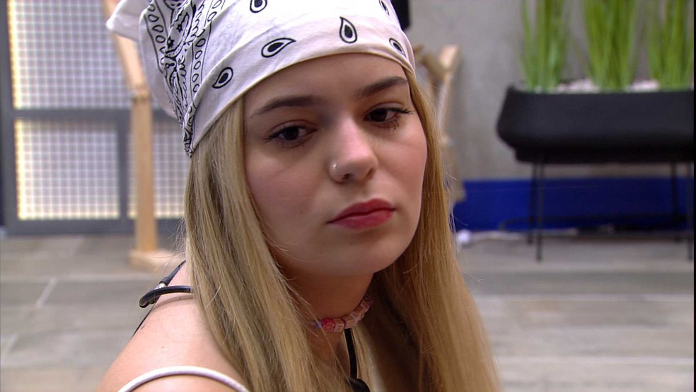 Viih Tube reclama de sister do BBB21: 'A Juliette nem está falando comigo' — Foto: Minuto a Minuto - BBB