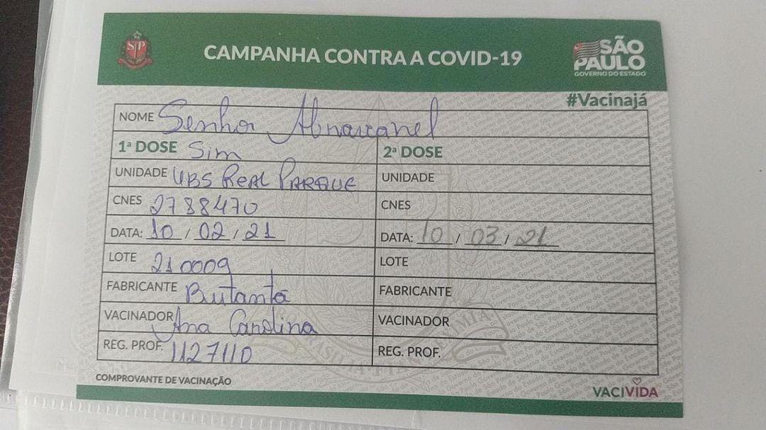 Carteirinha de vacinação de Silvio Santos (Foto: Reprodução/Instagram)