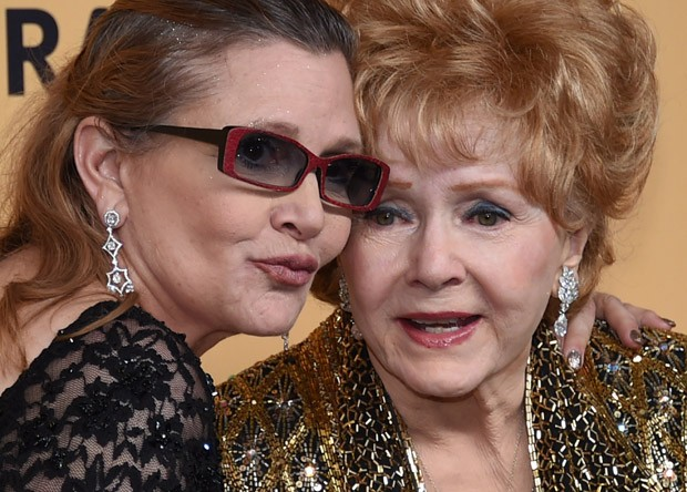 Carrie Fisher e a mãe, Debbie Reynolds (Foto: Ethan Miller/Getty Images)