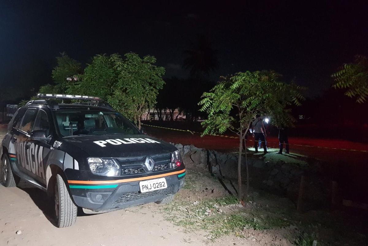 Adolescente é morta em terreno e tem parte do corpo incendiado, em Fortaleza – G1