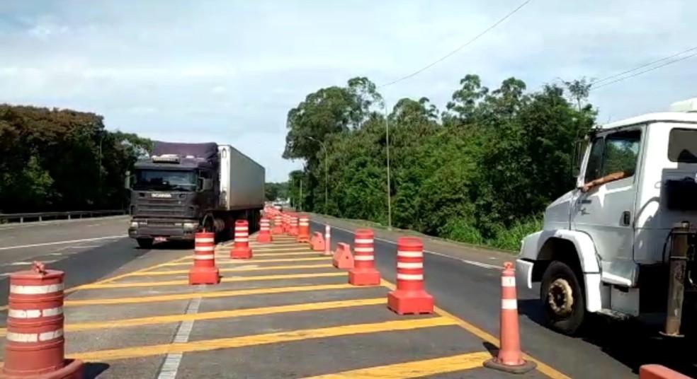 Trânsito é liberado para veículos pesados na BR-386 após restauro da estrutura da ponte em Estrela