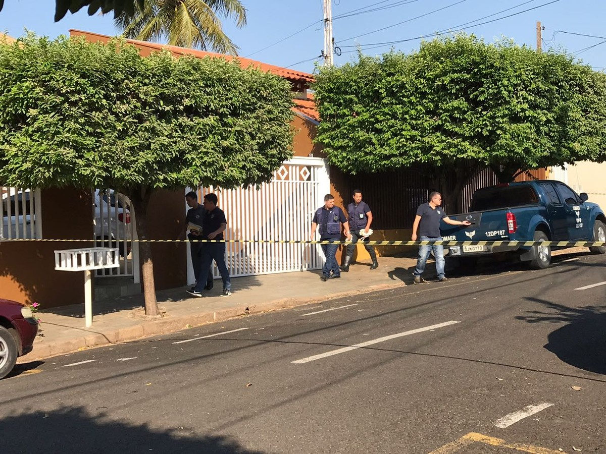 Avião caiu a poucos metros de escola onde havia mais de 100 crianças em Rio Preto