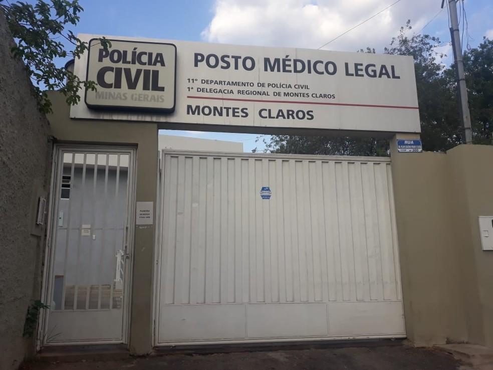 Corpo foi levado para o IML de Montes Claros — Foto: Marina Pereira/G1