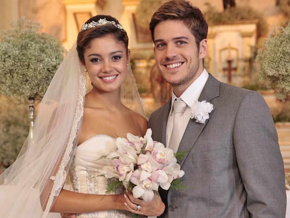 Amália e Rafael se casam em 'Fina Estampa' — Foto: Globo