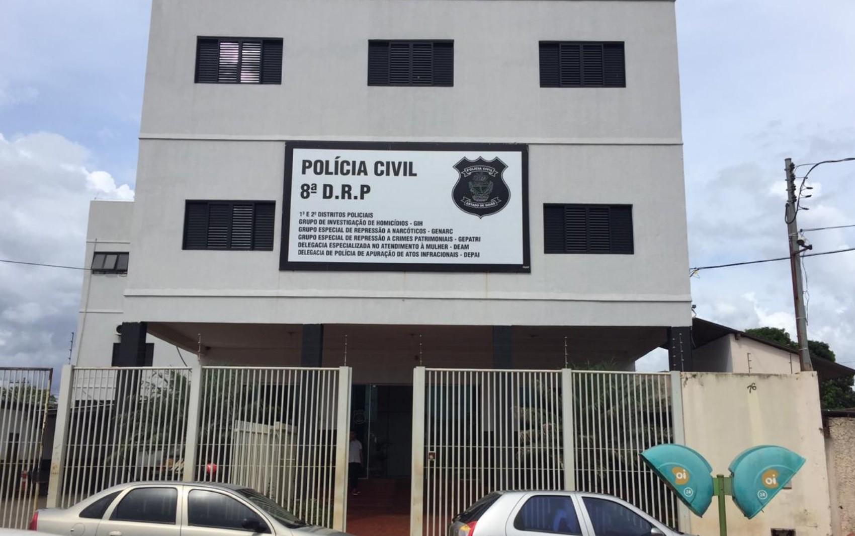 Idoso é preso suspeito de dar cerveja e abusar sexualmente da ex-enteada adolescente, em Rio Verde