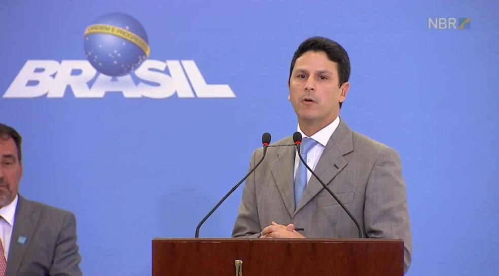 Ministro Bruno Araújo visita o Agreste de Pernambuco (Foto: Reprodução/NBR TV)