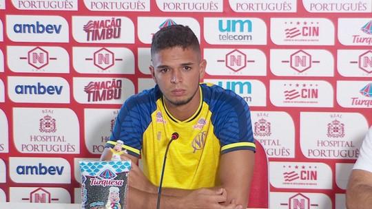 """Bruno se emociona e chora em despedida do Náutico: """"Amo esse clube"""""""