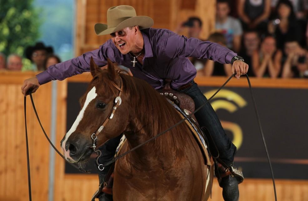 Assim como a família, Schumacher nutria paixão por cavalos — Foto: Divulgação