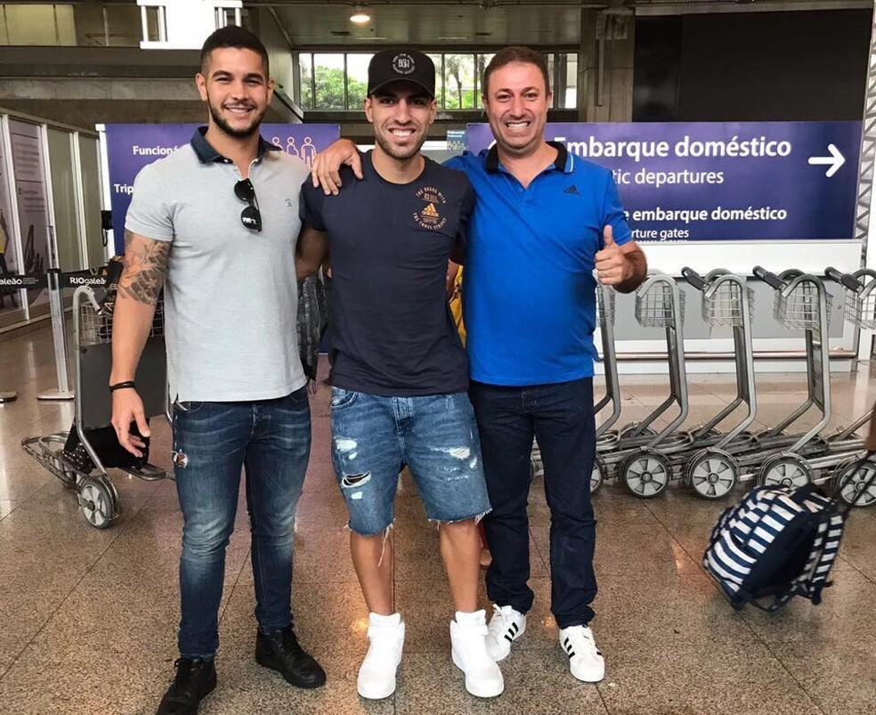 Thiago Ennes (c) jogou no Cuiabá e, agora, foi emprestado pelo Fla ao Náutico (Foto: Divulgação)