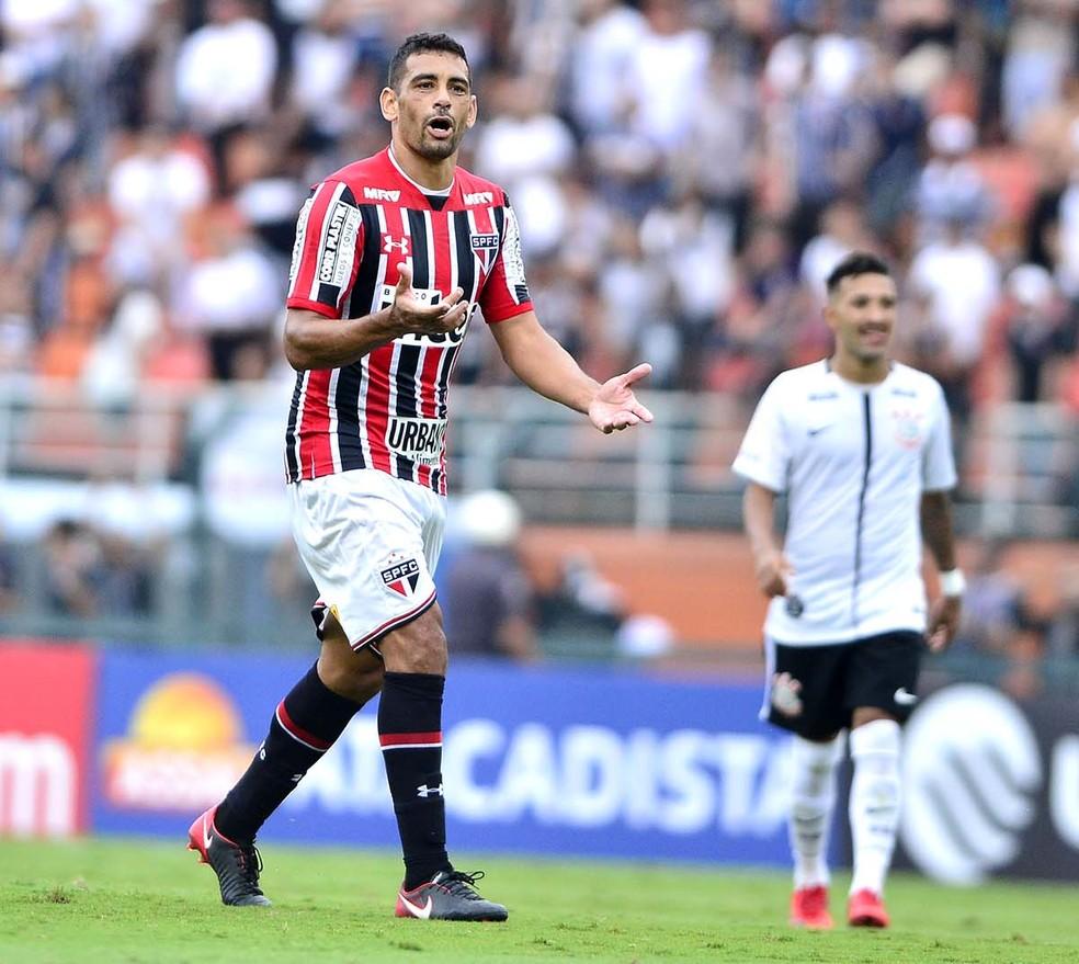 Diego Souza atualmente é reserva do São Paulo (Foto: Marcos Ribolli)