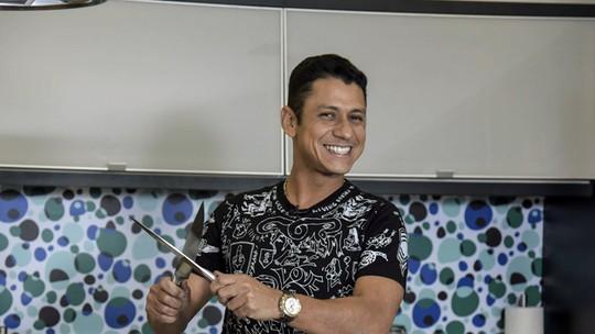MC Leozinho recorda emprego em padaria: 'Inventava sabores de pizza'