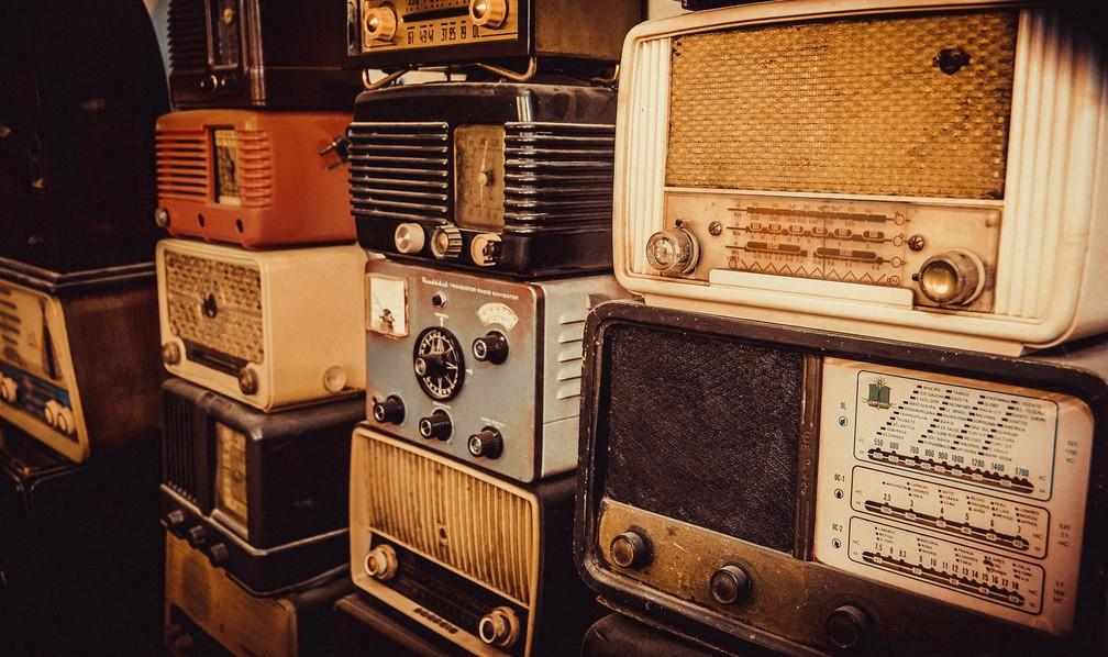 Rádios integram coleção de restaurador em São Carlos (Foto: Fabio Rodrigues/G1)