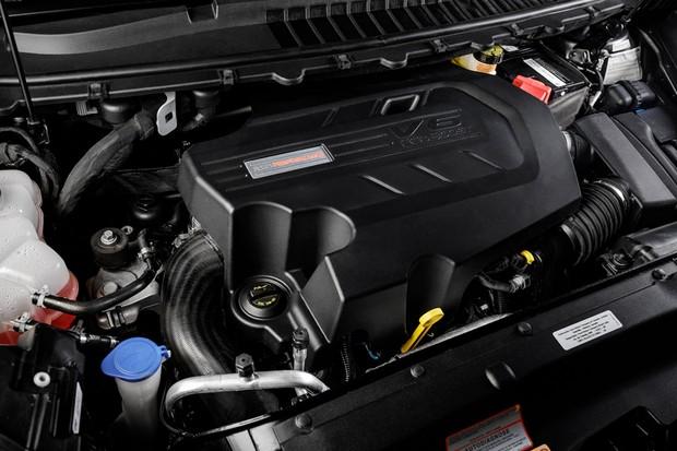 O motor V6 2.7 biturbo não deixa saudade do antigo V6 3.5 aspirado (Foto: Divulgação)