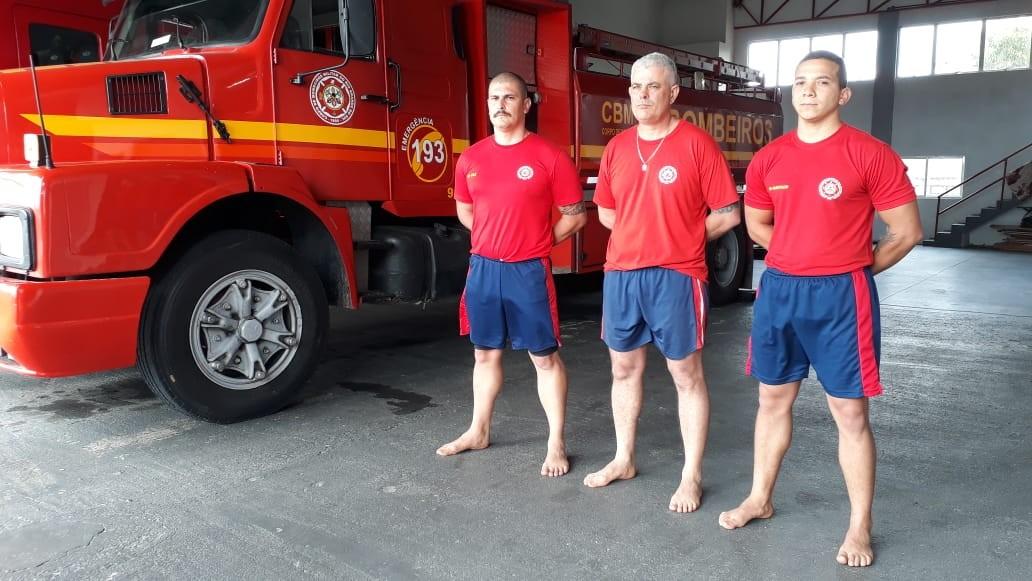 Após pane em bote, bombeiros passam a madrugada remando até serem resgatados em rio da Serra do RS - Notícias - Plantão Diário