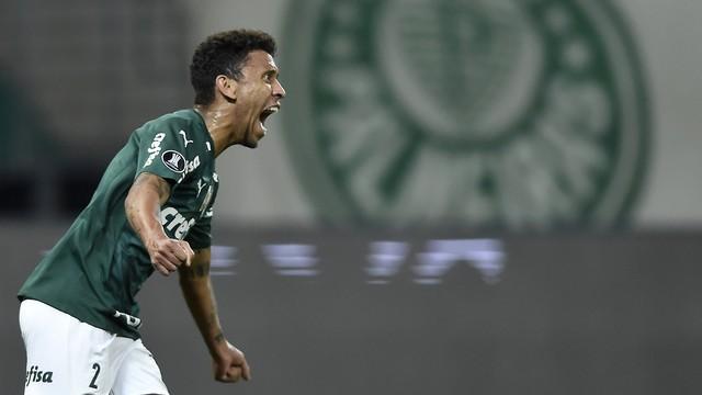 Marcos Rocha fez o gol da classificação do Palmeiras