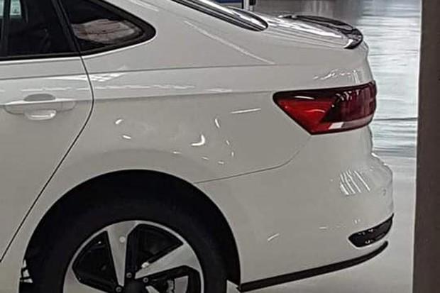 VW Virtus GTS tem um discreto spoiler preto na tampa traseira (Foto: Reprodução)