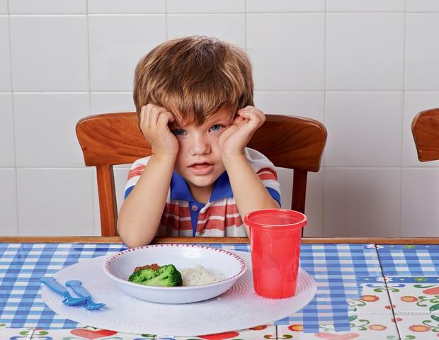 Se o seu filho rejeita uma comida, vale insistir, no mínimo, oito vezes (Foto: Guto Seixas)
