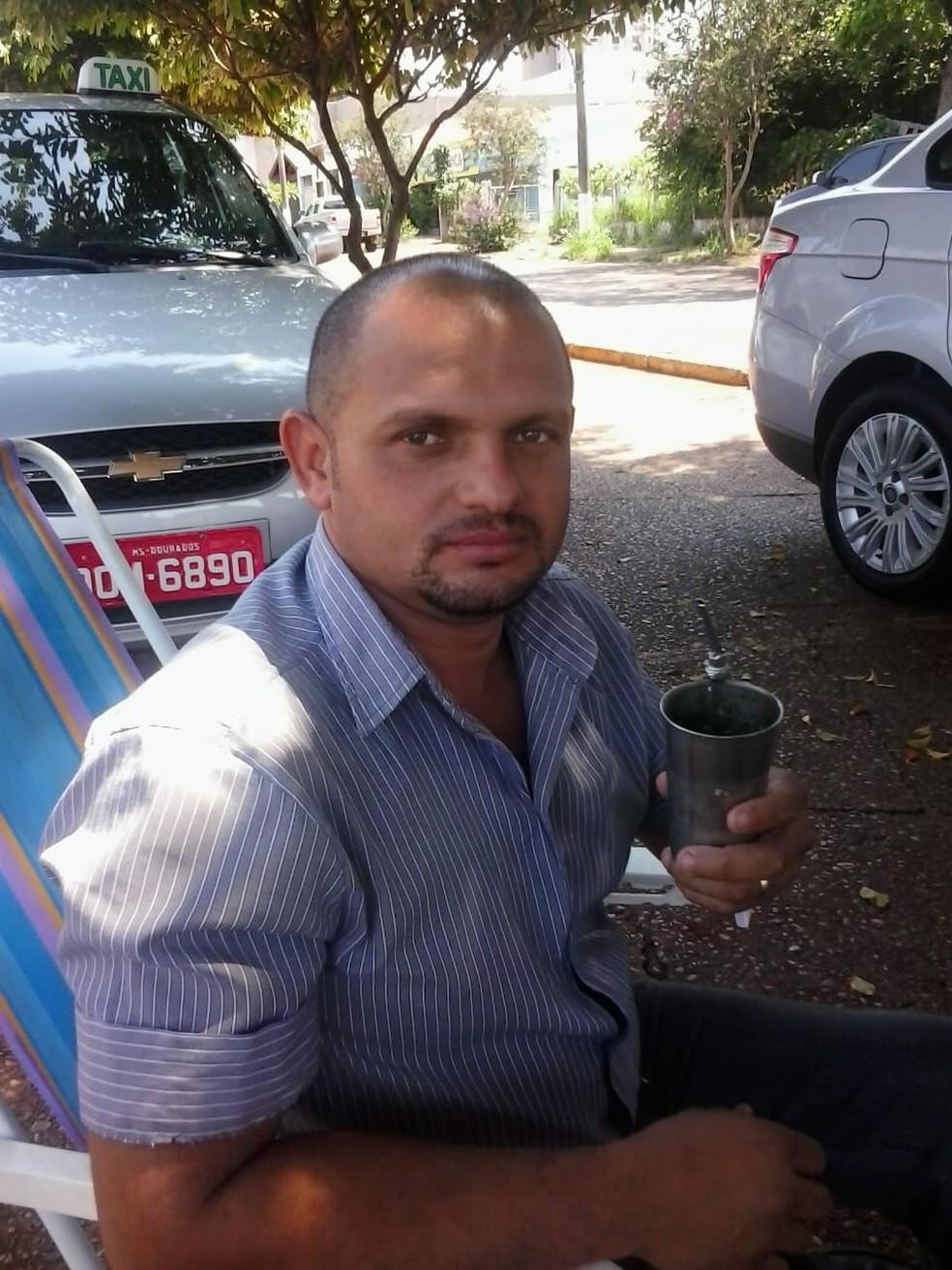 Renato em momento de descanso entre corridas, em Dourados (MS) — Foto: Arquivo Pessoal