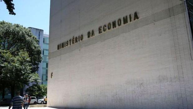 Alguns pontos da MP - como o formato da nova carteira eletrônica - ainda dependem do Ministério da Economia (Foto: AGÊNCIA BRASIL VIA BBC)