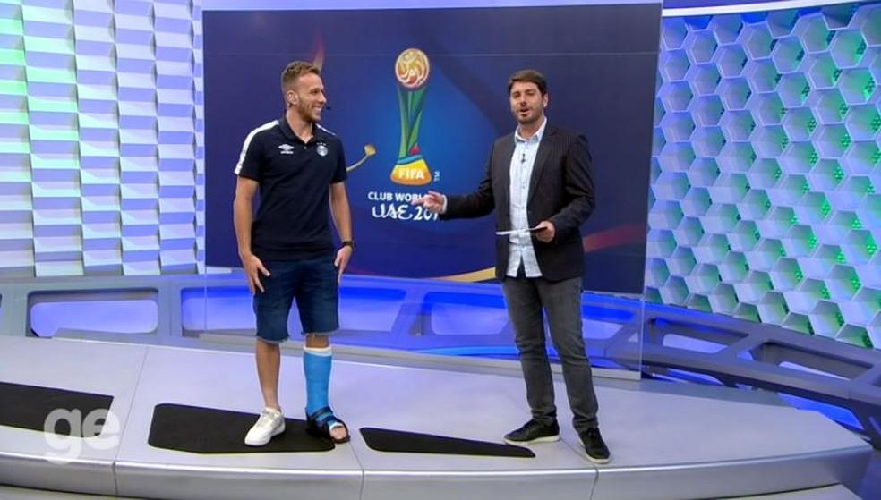Arthur participou da transmissão de Grêmio x Pachuca na Globo (Foto: Reprodução)