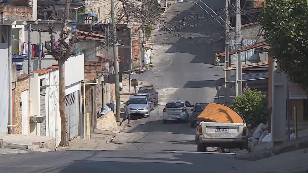 Morte de criança de 10 anos foi nesta rua, em Contagem. — Foto: TV Globo