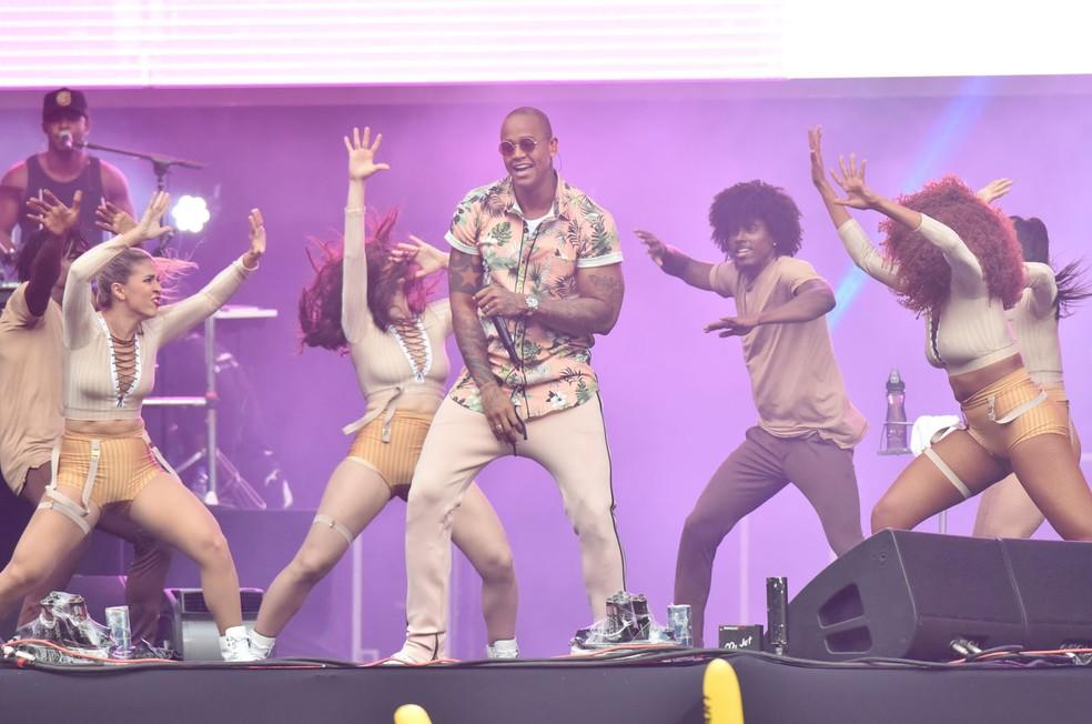 Léo Santana e seus dançarinos (Foto: Max Haack/Ag Haack)