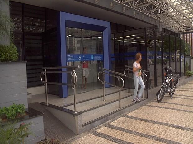 Movimentação é considerada tranquila em agências da Caixa em Fortaleza (Foto: Reprodução/TV Verdes Mares)