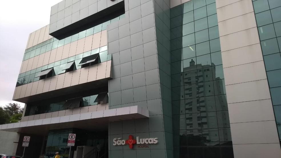 Senador Acir Gurgacz (PDT) foi hospitalizado em hospital de Cascavel depois de se entregar à polícia e passar mal — Foto: Cícero Bittencourt/RPC