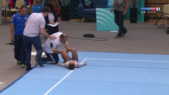 Líder da eliminatória, Flavinha cai na final do solo e torce o tornozelo