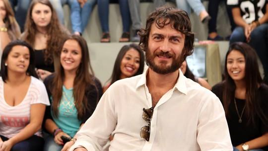 Gabriel Braga Nunes diz que trocou o rock pela atuação por causa de uma paixão