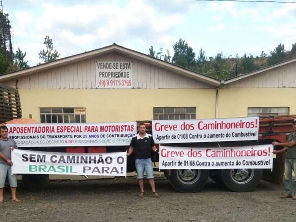 Ato de caminhoneiros faz parte de manifestação nacional (Foto: Autopista Planalto Sul/Divulgação)
