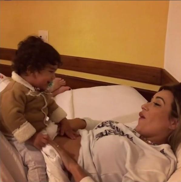 Letícia Santiago e Miguel (Foto: Reprodução/Instagram)