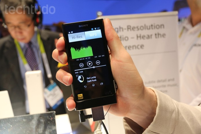 Sony Walkman ZX2 (Foto: Isadora Diaz / TechTudo)