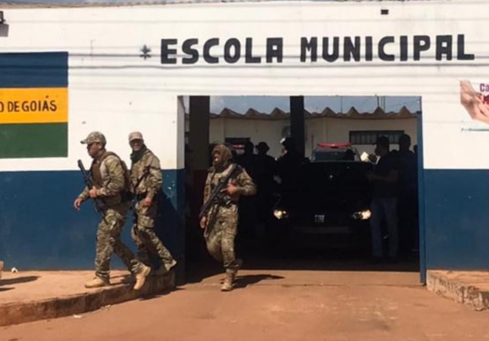 Base de comando de buscas a Lázaro Barbosa, em Cocalzinho de Goiás  — Foto: Vitor Santana/G1
