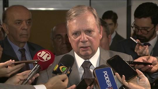 Presidente interino do PSDB cobra definição de Aécio Neves